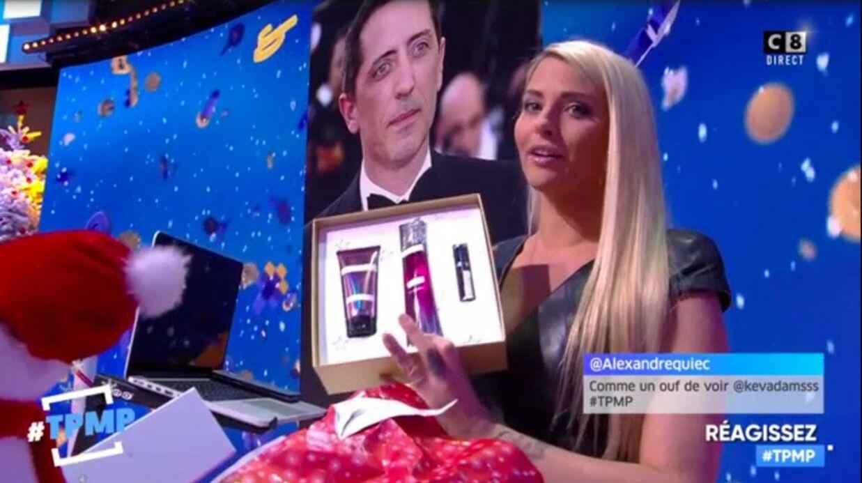 VIDEO Kelly Vedovelli: sous son charme, Gad Elmaleh lui offre un cadeau (qui sent très bon)