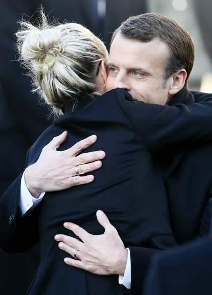 Les politiques présents lors de l'hommage à Johnny Hallyday : Emmanuel Macron et Laeticia Hallyday