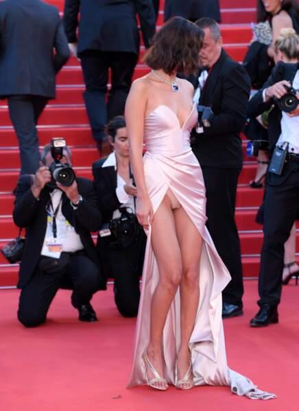 Festival de Cannes 2017 : Rebelote pour Bella Hadid qui a une nouvelle fois dévoilé ses dessous