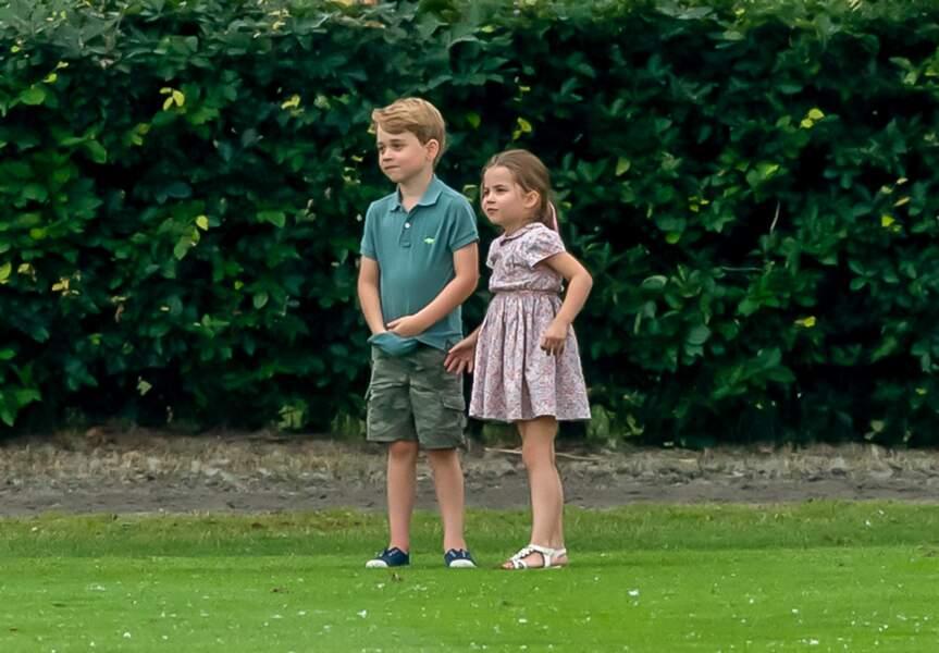 Charlotte et George lors du match de polo de son père à Wokingham, mercredi 10 juillet