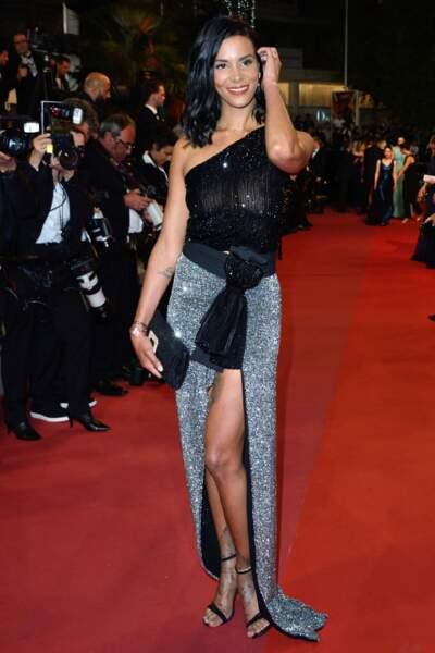 Festival de Cannes : Shy'm dévoile sa poitrine sous un haut noir