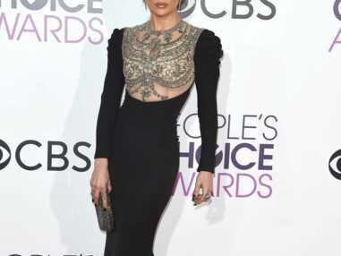 People's Choice Awards 2017 : Blake Lively, Jennifer Lopez, Kristen Bell...le red carpet de la cérémonie