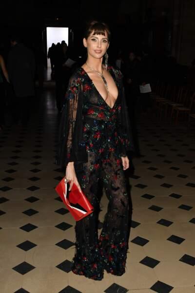 Fashion Week Haute Couture : Frédérique Bel en combi transparente chez Tony Ward