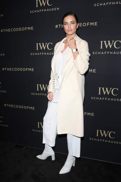 Les do et les don'ts de la semaine : les bottines blanches - Adriana Lima