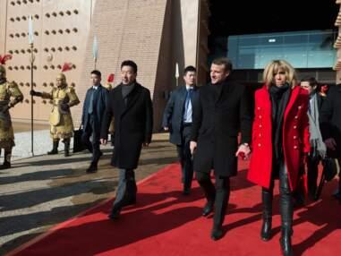 Brigitte Macron : en manteau rouge, elle attire tous les regards lors de la visite d'Etat en Chine