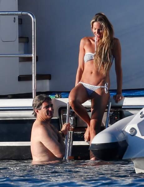 Elle MacPherson et son mari Jeffrey Soffer se la coulent douce à Porto Cervo