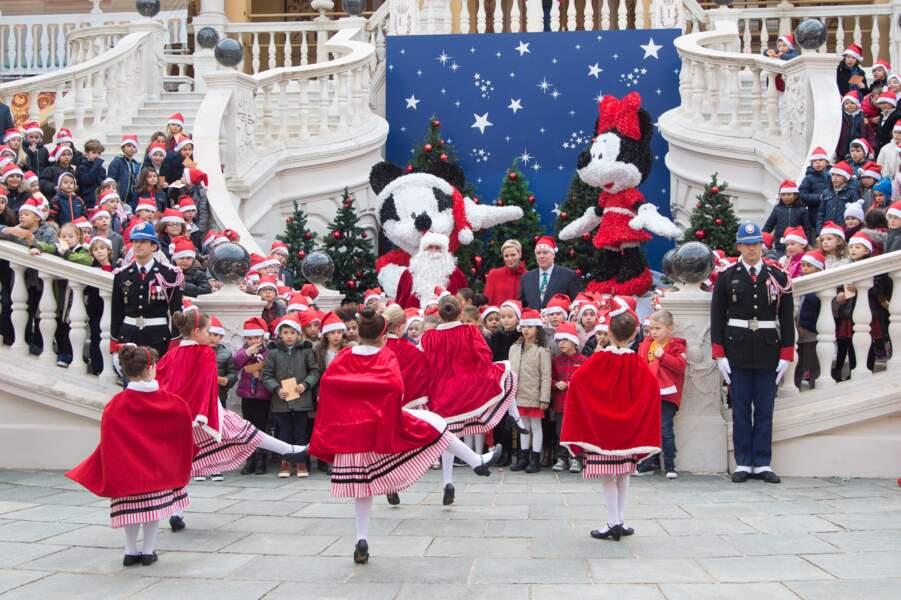 """La cour du Palais est en fête pour """"L'arbre de Noël du Palais Princier"""" le 20 décembre"""