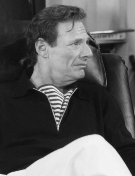Le Dr Leonard Green est le père de Rachel qui a mené une vie d'enfer à Ross