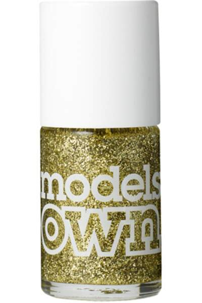 50 façons de briller : Vernis à ongles teinte Gold Finger, Models Own, 6 euros