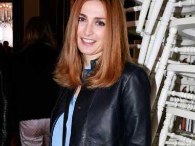 DIAPO Julie Gayet se fait plein d'amis au défilé Alexis Mabille