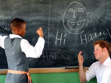 Le Prince Harry rencontre des enfants au Lesotho