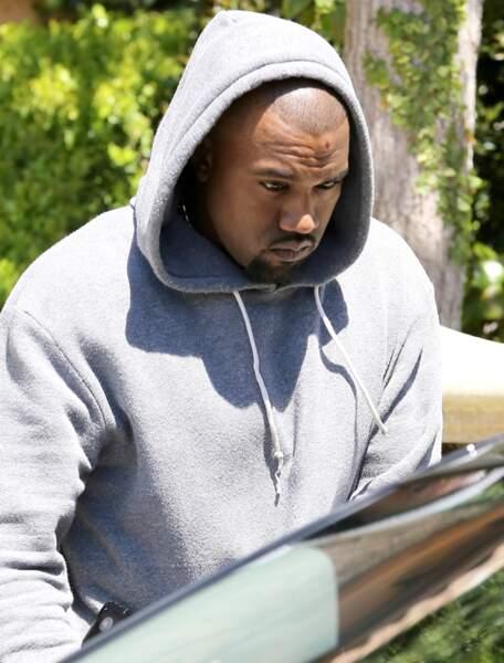 Le lendemain, Kanye West porte les traces de l'impact