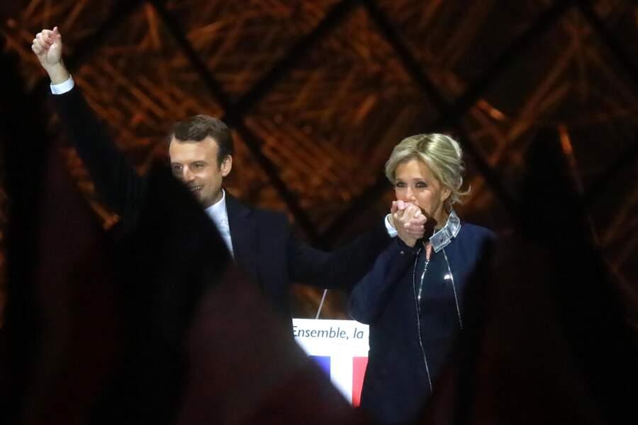 Emmanuel Macron fête sa victoire en famille au Louvre