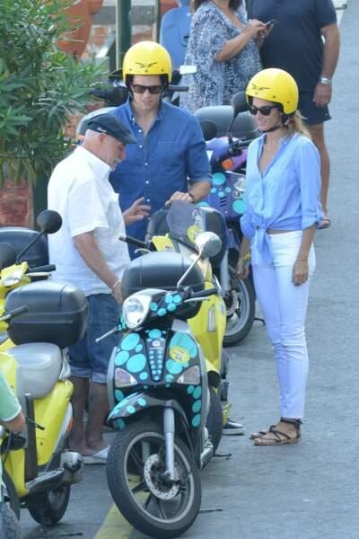 """Gisele Bünchen et son mari Tom Brady : """"Bon alors le scooter c'est presque aussi simple que votre yacht"""""""