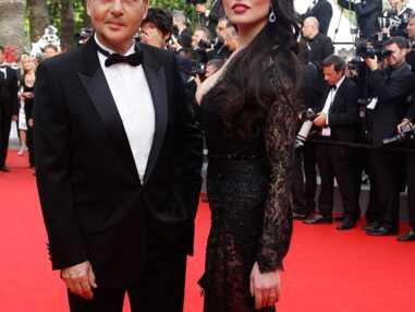 Cannes : la femme d'Eric Besson très décolletée, Tatiana Laurens tout en transparence