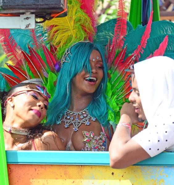 Rihanna : son nouveau costume de carnaval est CHAUD bouillant