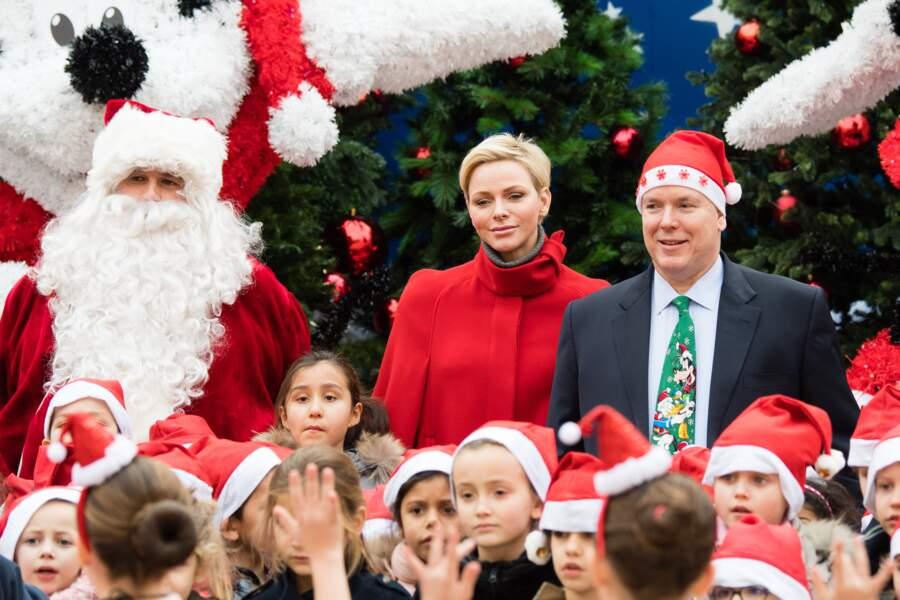 """Charlène de Monaco et Albert II, au côté du Père Noël pour """"L'arbre de Noël du Palais Princier"""" le 20 décembre"""