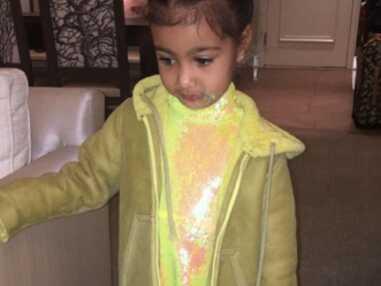 Kim Kardashian utilise sa fille de 3 ans pour faire la pub de sa ligne de vêtements pour enfants