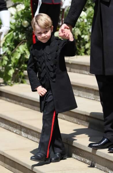 Anniversaire du Prince George - Pour la première fois de sa vie, George a porté un pantalon au mariage d'Harry