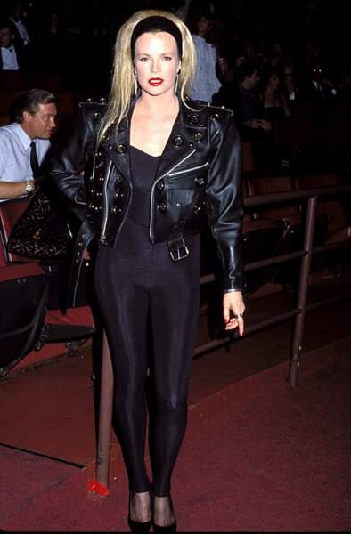 "MTV Video Music Awards : Kim Basinger et son outfit très ""Grease"" en 1990"
