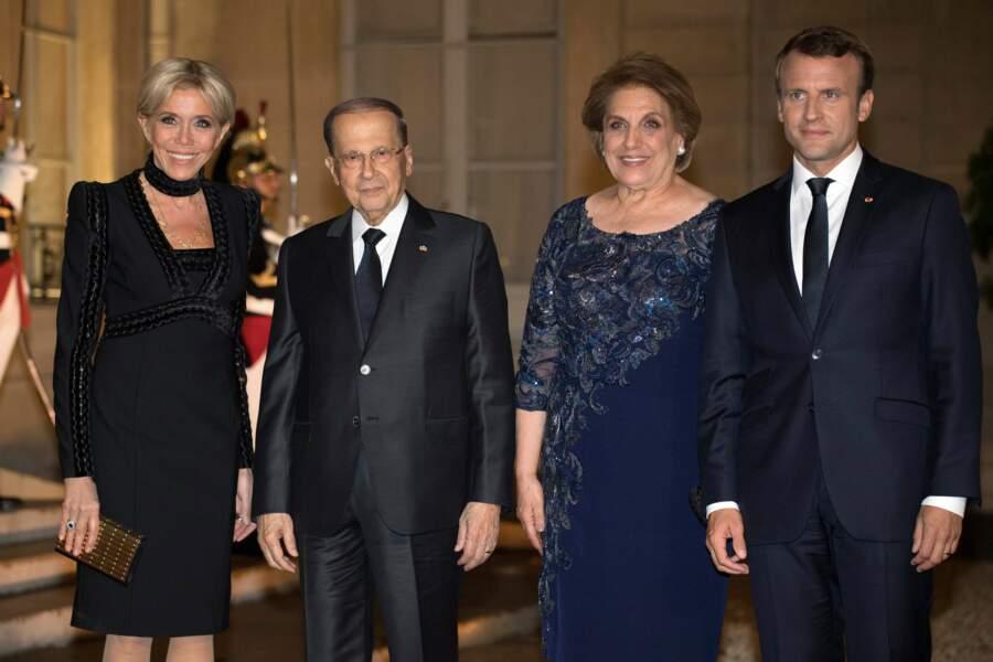 Brigitte Macron ultra chic en petite robe noire pour un dîner d'état à l'Elysée