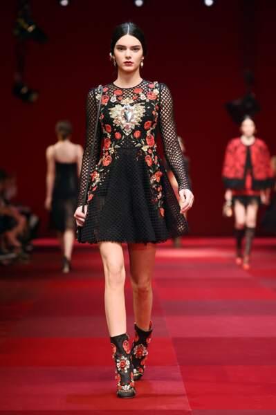 Kendall Jenner a fêté ses 23 ans : retour sur ses plus beaux looks de défilé ! (Dolce & Gabbana 2015)