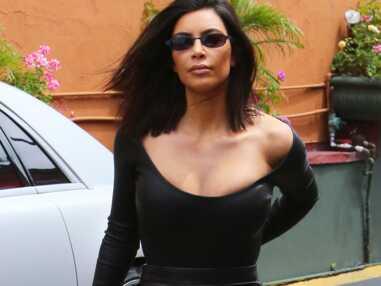Kim Kardashian très sexy en cuir ce week-end