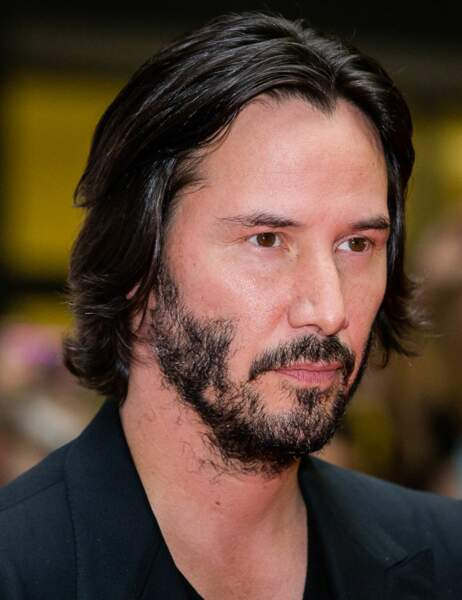 Keanu Reeves est achluophobe. Ce grand garçon a peur...