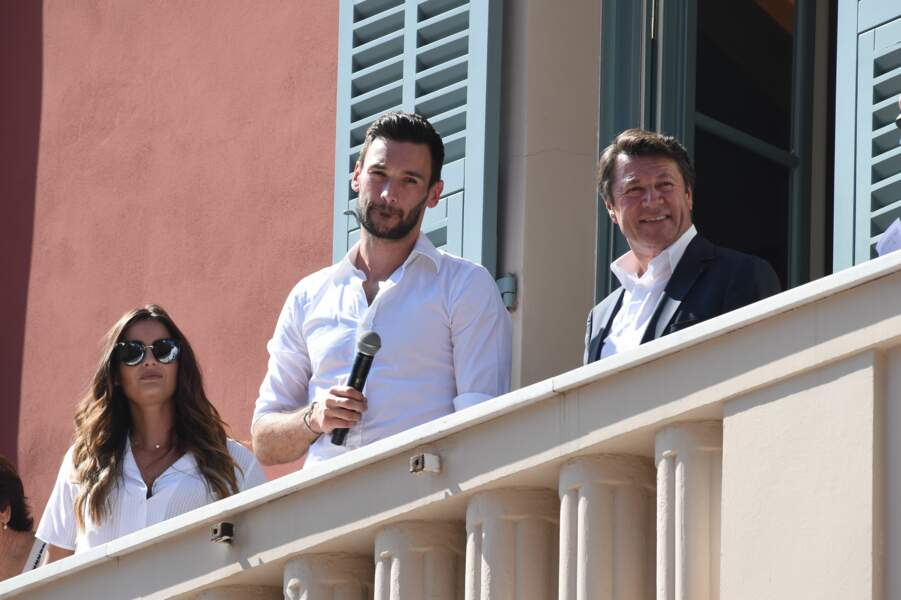 Hugo Lloris a dû dépasser sa grande discrétion pour faire son discours aux Niçois au balcon de l'hôtel de ville
