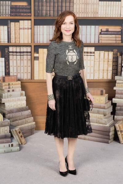 Isabelle Huppert au défilé haute couture Chanel, au Grand Palais
