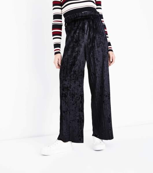 Pantalon large en velours noir, New Look, 29,99 euros