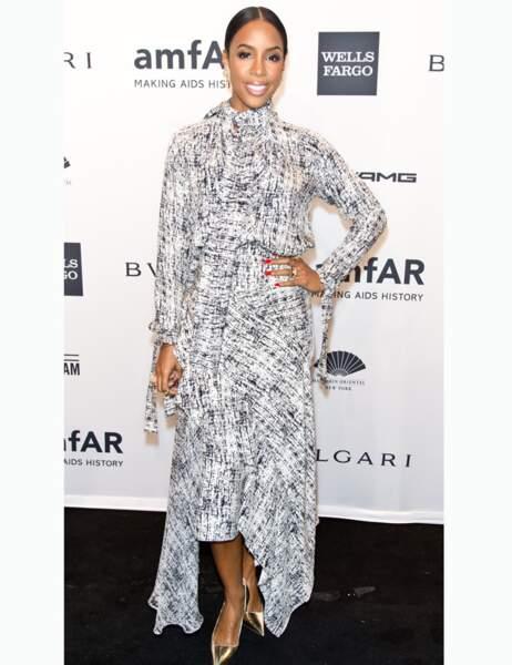 Kelly Rowland et sa robe, euh..., originale