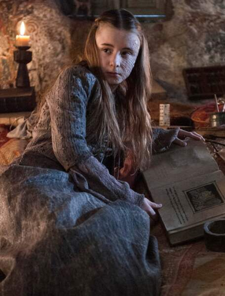 Mais avec des écailles, elle devient Shireen Baratheon, la fille de Stannis