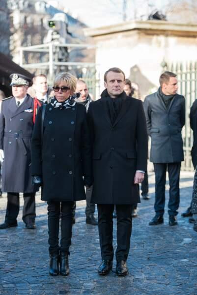 Les politiques présents lors de l'hommage à Johnny Hallyday : Brigitte et Emmanuel Macron
