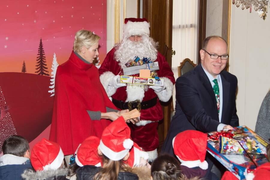 """Albert II et Charlène de Monaco pour """"L'arbre de Noël du Palais Princier"""" le 20 décembre"""