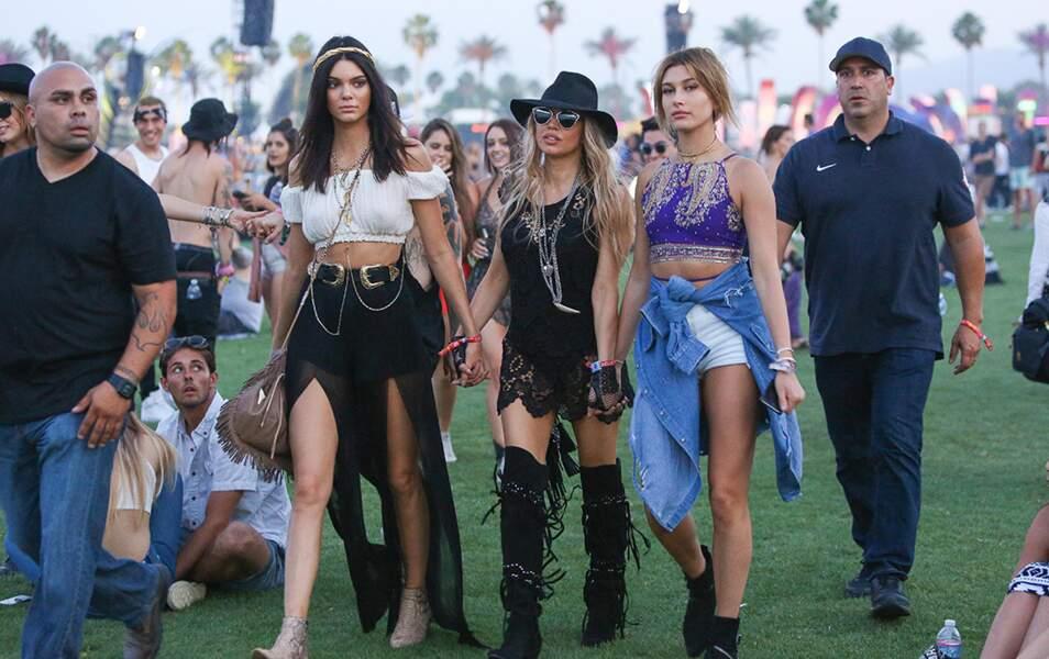 Fergie joue la Maman pour Kendall Jenner et Hailey Baldwin