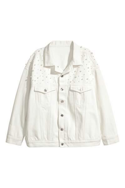 Veste en jean oversize, H&M, 35,99 euros au lieu de 59,99 euros