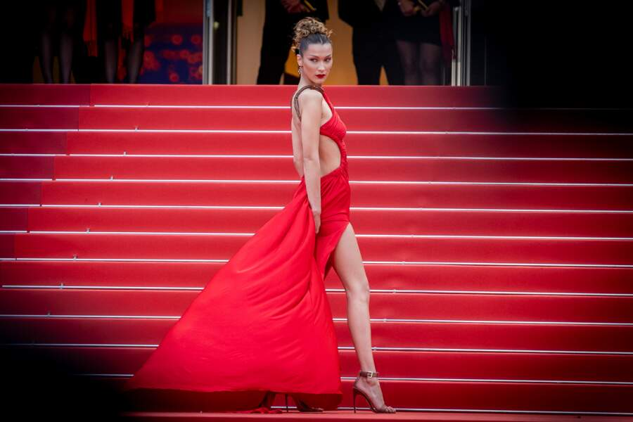 Do : Bella Hadid et sa robe vintage Roberto Cavalli