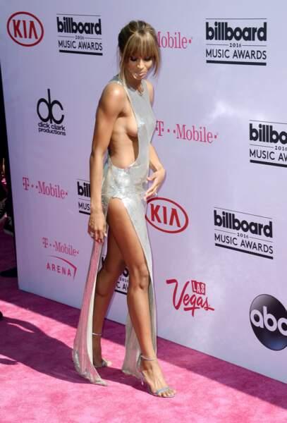 Billboard Music Awards 2016: Ciara était très sexy et laissait apparaître un sideboob (de chaque côté!)