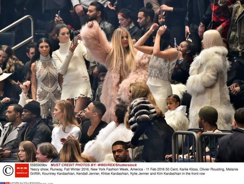 Tout ce petit monde s'est trémoussé sur Ultralight Bling, du nouvel album de Kanye West