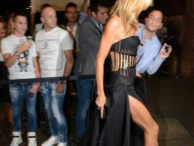 Bar Refaeli, Heidi Klum sexy en diable pour le gala de l'amfAR à Milan