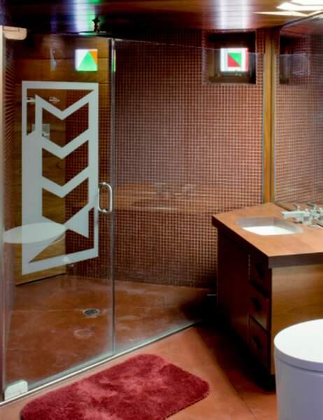 et sa petite salle de bain