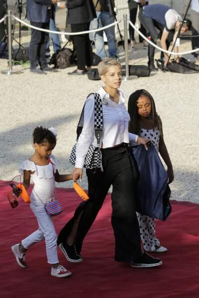 Les Bleus à l'Elysée après leur victoire : Isabelle Matuidi, la femme de Blaise Matuidi, et leurs filles