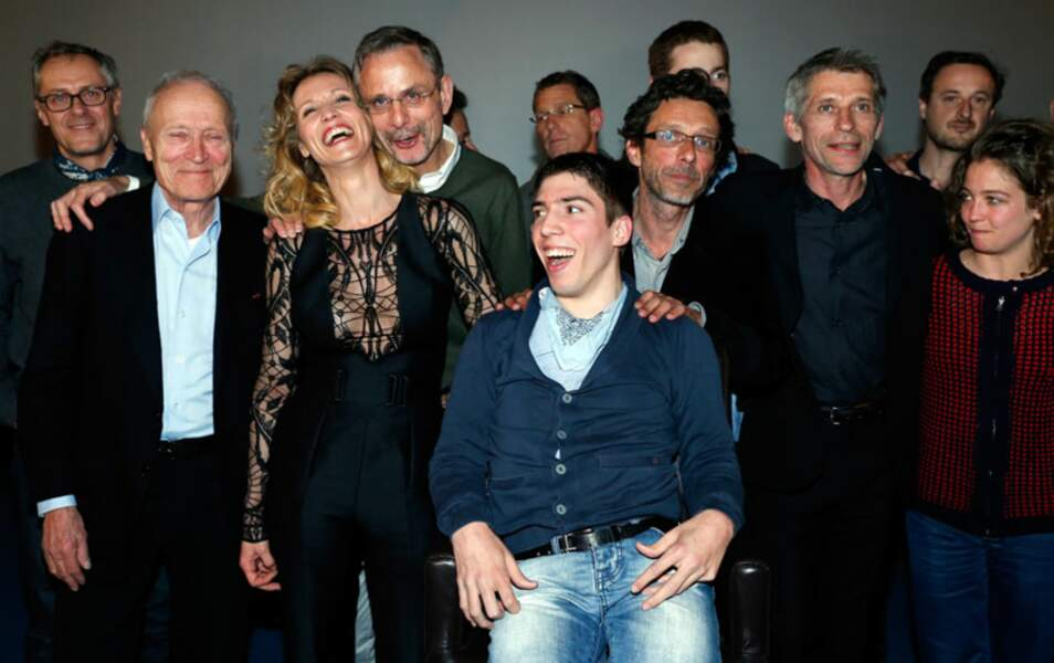 Toute l'équipe de De toutes nos forces sur la scène du Gaumont Opéra
