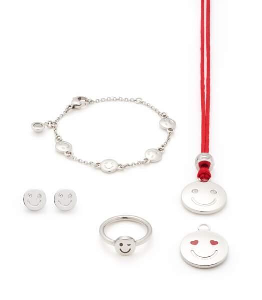 Parure. Pendentif (35€), boucles d'oreilles (29€), bague (25€) et bracelet (35€), Energetix.