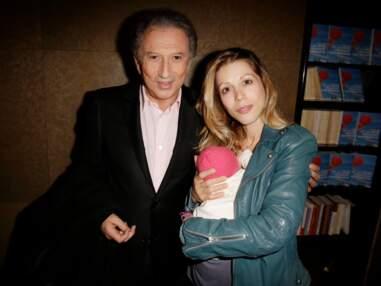 Tristane Banon présente sa petite fille à Michel Druker