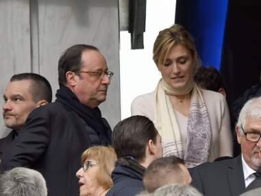 Julie Gayet et François Hollande très complices lors du match de rugby France/Angleterre