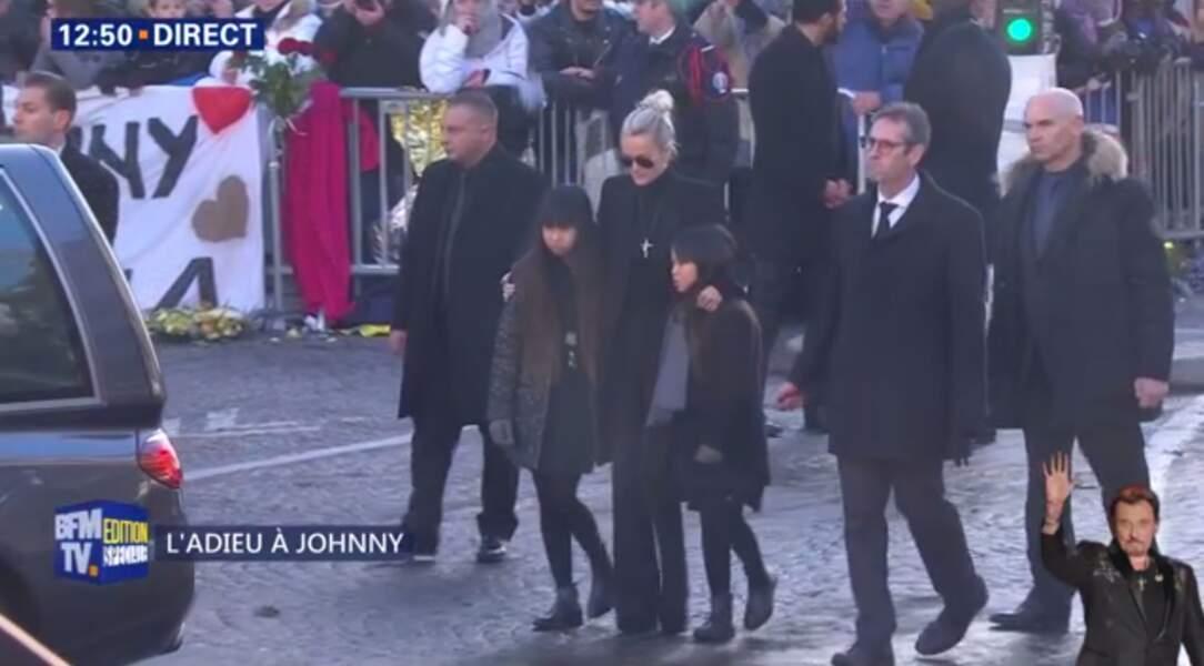 Hommage à Johnny Hallyday : dévastée, Laeticia Hallyday ne peut cacher son émotion
