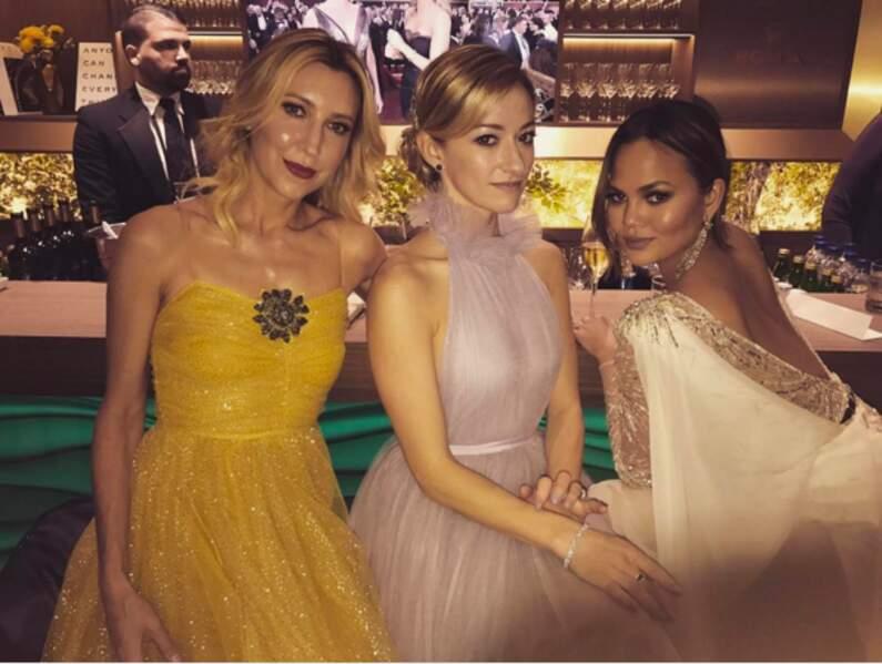 Chrissy Teigen n'attendait pas le moindre Oscar, elle a pu s'occuper du bar avec ses copines