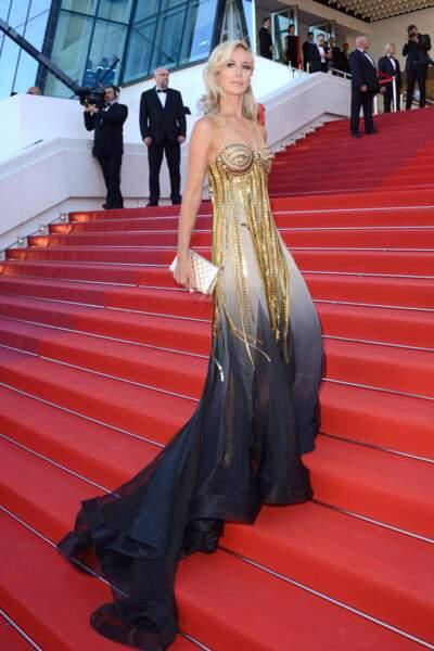 """Festival de Cannes 2017 : Lady Victoria Hervey ou le look """"fuite d'essence"""""""